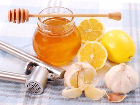 cách làm tỏi ngâm mật ong chữa ho