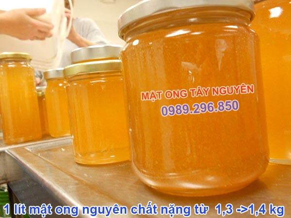 1 lít mật ong nặng bao nhiêu kg